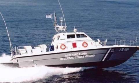 Βυθίστηκε σκάφος στην Κρήτη - Μεγάλη επιχείρηση διάσωσης 700 μεταναστών