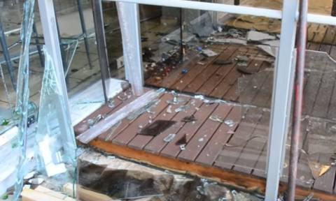 Πυρκαγιά κατέστρεψε νυχτερινό κέντρο διασκέδασης στο Ναύπλιο (vid)