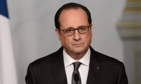 Παραδοχή Ολάντ: «Υπάρχει τρομοκρατική απειλή για το Euro 2016»