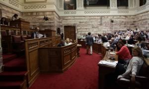 Έντονη αντίδραση της αντιπολίτευσης για τον νέο αναπτυξιακό νόμο
