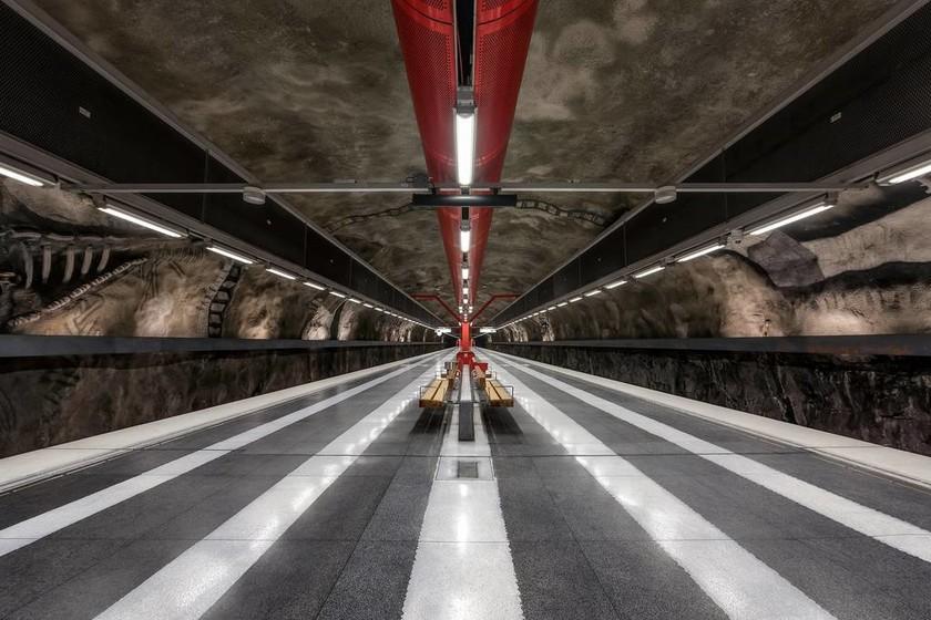 Η μεγαλύτερη γκαλερί τέχνης του κόσμου είναι κάτω από τη γη και κρύβεται στο μετρό της Στοκχόλμης