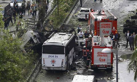 Τέσσερις συλλήψεις μετά την πολύνεκρη επίθεση στην Κωνσταντινούπολη