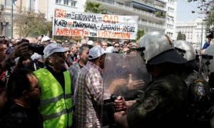Απεργία και συγκέντρωση διαμαρτυρίας στον Πειραιά από τους λιμενεργάτες