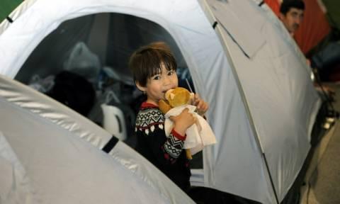 Προσφυγικό: 56.975 άνθρωποι παραμένουν εγκλωβισμένοι στην ελληνική επικράτεια