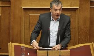 «Βολές» Θεοδωράκη προς Τσίπρα-Καμμένο με αφορμή δημοσκόπηση για την ΕΕ
