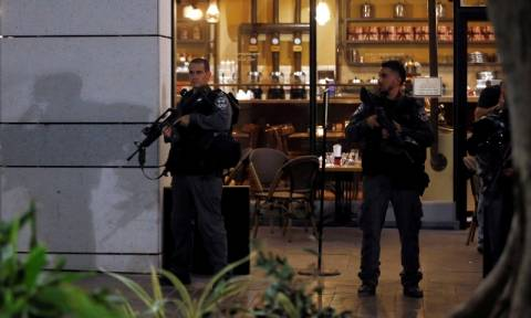 Τέσσερις οι νεκροί από την επίθεση Παλαιστινίων στο Τελ Αβίβ (Pics & Vids)