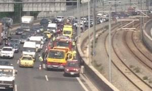 Τραγωδία στην Αττική Οδό - Οδηγός απανθρακώθηκε μέσα σε αυτοκίνητο (photos - video)
