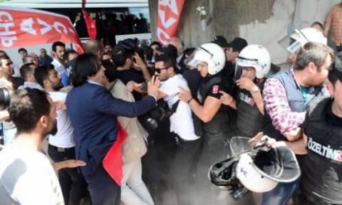 Ένταση στην Τουρκία: Δακρυγόνα και πλαστικές σφαίρες κατά διαδηλωτών (pics+vids)