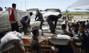 Συρία: Δόθηκε η άδεια για αποστολή βοήθειας σε 15 από τις 17 πόλεις που πολιορκεί ο συριακός στρατός