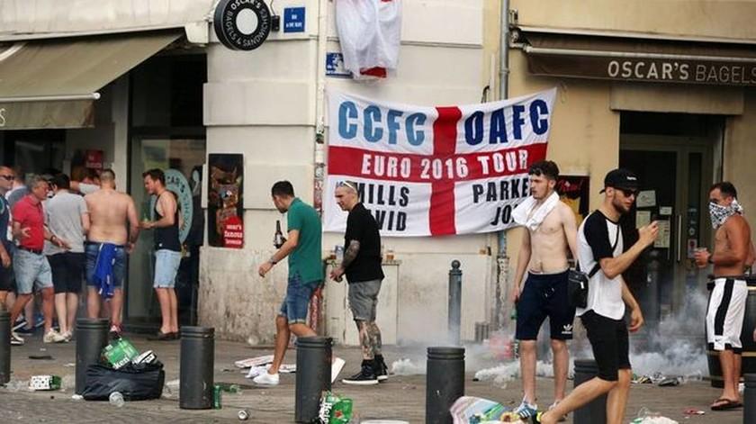 Euro 2016: Νέα επεισόδια στη Μασσαλία μεταξύ οπαδών και της αστυνομίας (pics)