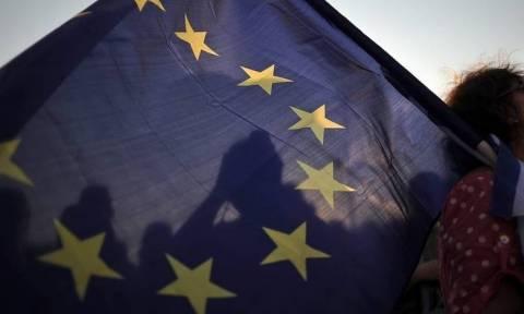 Spiegel προς Βρετανία: Σας παρακαλούμε, μην φύγετε!