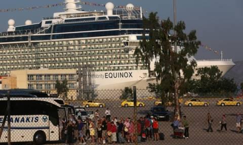 Επτά κρουαζιερόπλοια σήμερα στον Πειραιά - Συνεχίζουν την απεργία τους οι λιμενεργάτες