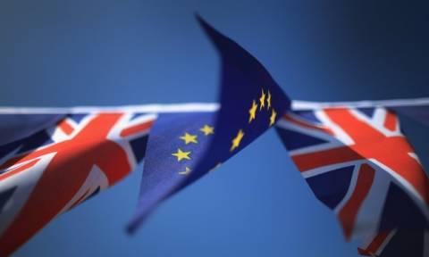Βρετανοί Νομπελίστες προειδοποιούν για το Brexit: «Θα ήταν καταστροφικό»