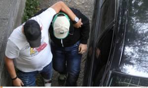Θεσσαλονίκη: Χωρίς χειροπέδες στον εισαγγελέα ο 14χρονος που ομολόγησε το φόνο του φίλου του (pics)