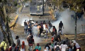 Βενεζουέλα: Τρεις νεκροί στις λεηλασίες και τις διαδηλώσεις για τα τρόφιμα