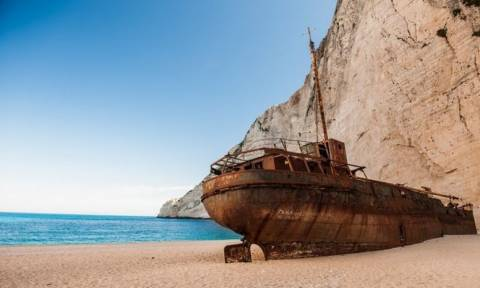 ΦΡΙΚΗ στο «Ναυάγιο» της Ζακύνθου – Είδε το πτώμα ενός τουρίστα να επιπλέει στη θάλασσα
