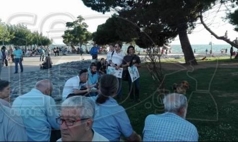 Θεσσαλονίκη - Κίνημα «Παραιτηθείτε»: Με πανό κάτω από τον Λευκό Πύργο (photos)