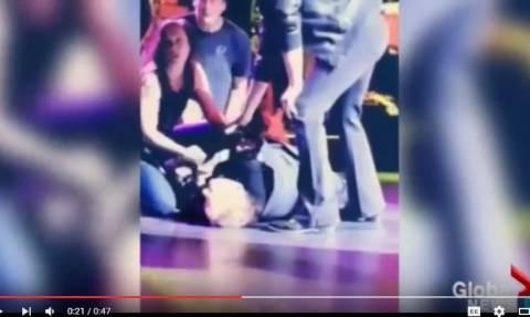 Κατέρρευσε επί σκηνής ο διάσημος ροκ τραγουδιστής Meat Loaf (Vid)