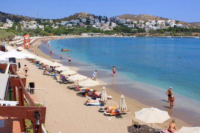 Αυτές είναι οι 10 πιο καθαρές παραλίες στην Αττική για το
