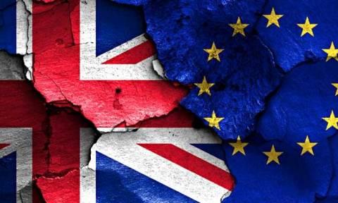 Brexit: Τρίζουν τα θεμέλια της ΕΕ - Σε μπελάδες οι Βρετανοί