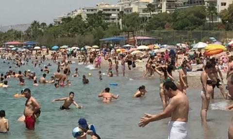 Κυριακή στην παραλία: Το Newsbomb.gr πάει για… μπάνιο (photos)