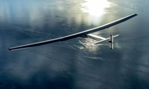 Solar Impulse 2: Δείτε LIVE να γράφεται ιστορία πάνω από τον Ατλαντικό Ωκεανό