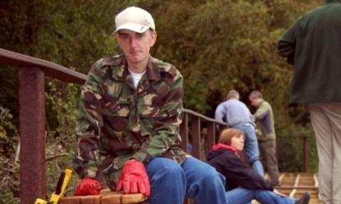 Βρετανία: Ο δολοφονός της Κοξ εμφανίστηκε στο κακουργιοδικείο