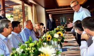 Γεύμα Αβραμόπουλου - Γιούνκερ: Είσαι φίλος της Ελλάδας και η Ελλάδα είναι φίλη σου