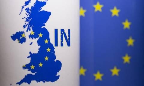 Brexit: Κερδίζει έδαφος η παραμονή της Βρετανίας στην ΕΕ σύμφωνα με τις δημοσκοπήσεις