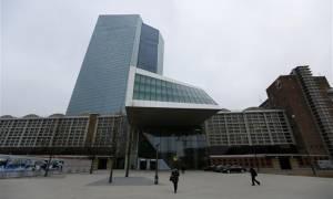 ΕΚΤ: Από αύριο οι τράπεζες θα μπορούν να παίρνουν 4ετή δάνεια