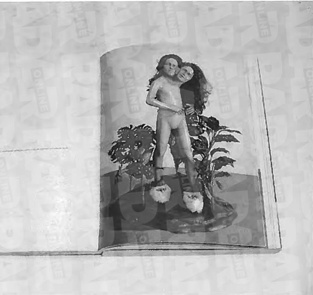 Σοκ και φρίκη: Αυτές είναι οι πορνογραφικές φωτογραφίες που βρέθηκαν στην έπαυλη του Μάικλ Τζάκσον