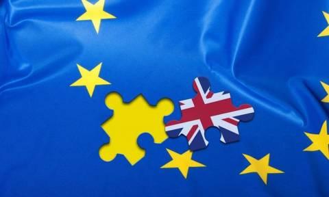 Brexit: Στα «κάγκελα» η Βρετανία με φόντο το δημοψήφισμα της Πέμπτης