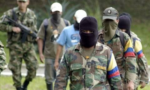 Ιστορική συμφωνία στην Κολομβία: Τέλος στον εμφύλιο - 7.000 αντάρτες της FARC θα αφοπλιστούν