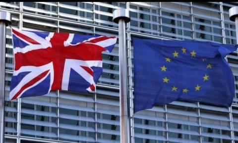 Δημοψήφισμα Βρετανία - J.P. Morgan: Μικρό προβάδισμα η παραμονή της Βρετανίας στην ΕΕ