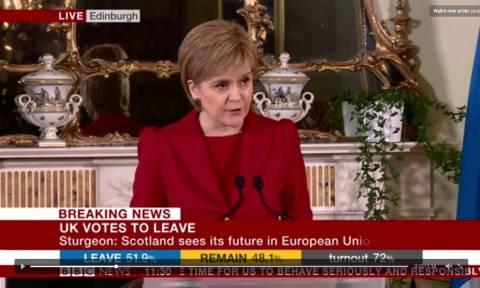 Brexit: Βόμβα στα θεμέλια της Βρετανίας - Νέο δημοψήφισμα για την ανεξαρτητοποίηση της Σκωτίας (Vid)