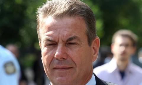 Πολίτες προς υφυπουργό Εργασίας: «Ντροπή σου απατεώνα» (vid)