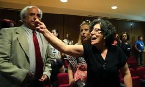 Εφετείο: Βρισιές και απειλές στην δίκη της Χρυσής Αυγής - Όρμηξε σε φωτορεπόρτερ ο Ρουπακιάς