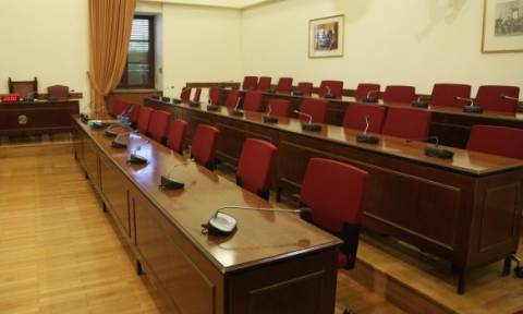 Βουλή: Ενώπιον της Επιτροπής Θεσμών η εισαγγελέας Τσατάνη