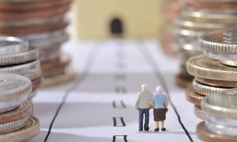 Έτσι «ληστεύουν» τους συνταξιούχους - Κόβουν μια επικουρική από όλους μέσα στο 2016