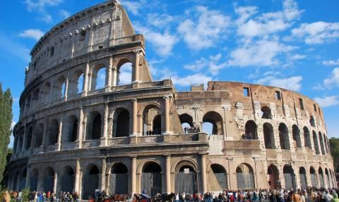 Ρώμη: Oλοκληρώθηκε το «λίφτινγκ» της εξωτερικής πλευράς του Κολοσσαίου (vid)