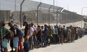 Προσφυγικό: Περισσότεροι από 15.000 αιτούντες άσυλο έχουν προ-καταγραφεί στην ηπειρωτική Ελλάδα