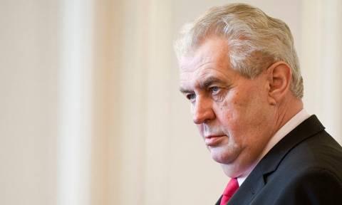 Τσεχία: Η κυβέρνηση «αδειάζει» τον πρόεδρο για τα περί δημοψηφίσματος