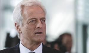 Ακόμη και το Βερολίνο «αδειάζει» τον Ραμσάουερ για το «βρωμιάρη Έλληνα»