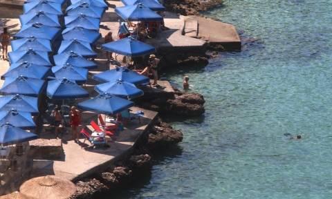 Καιρός: Ζέστη αλλά και δυνατοί βοριάδες μας στέλνουν... παραλία