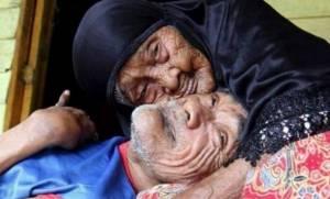 Μέχρι τα 101 της φρόντιζε τον γιο της με ειδικές ανάγκες (φωτογραφίες)