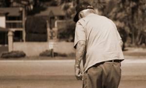 Στιγμές τρόμου για ηλικιωμένο στην Τρίπολη: Τον χτύπησαν και τον λήστεψαν