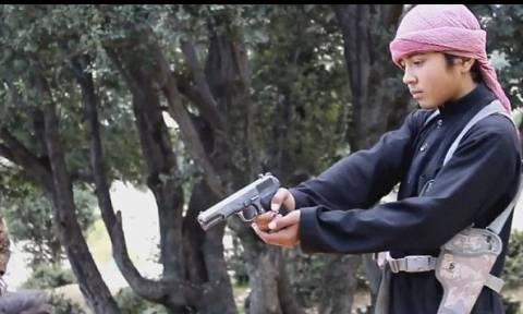 Νέο βίντεο φρίκης των τζιχαντιστών: Βάζουν μικρά παιδιά να εκτελούν ομήρους