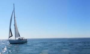 Πύλος: Σύγκρουση ιστιοφόρου με φορτηγό πλοίο - Κινδύνεψαν δύο επιβαίνοντες