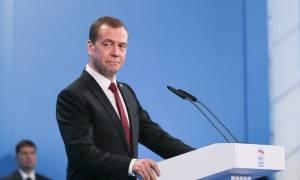 """Медведев утвердил """"дорожную карту"""" по защите прав миноритарных инвесторов"""
