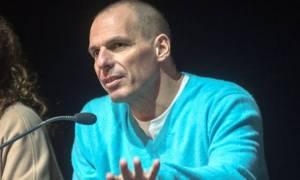 Στην αντεπίθεση ο Βαρουφάκης: «Καρφώνει» Τσίπρα για το Plan B